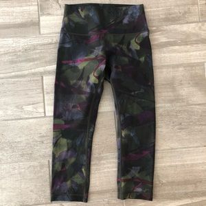 Lululemon Wunder Under 6 Multicolor crop leggings